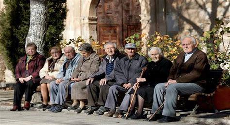 La pensión media de jubilación en España es de 1.058,64 ...