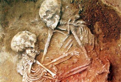 La pintura roja del Neolítico, a examen en San Fernando