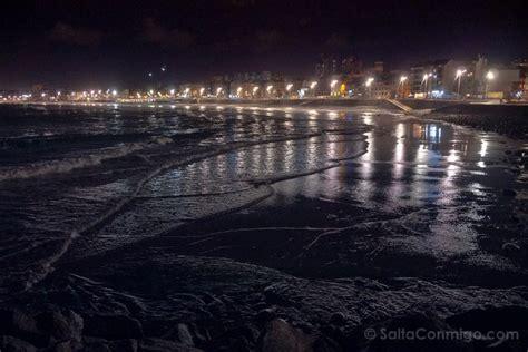 La playa de Las Canteras, en Las Palmas de Gran Canaria ...