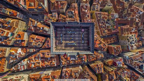 La Plaza Mayor in Madrid, Spain Full HD Fondo de Pantalla ...