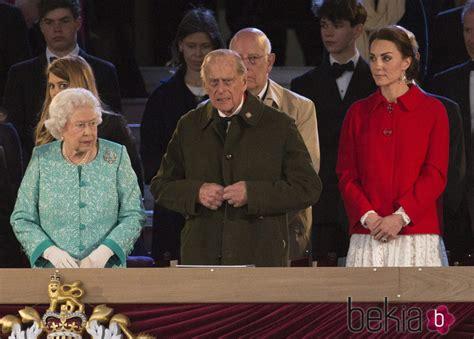 La Reina Isabel II de Inglaterra, el Duque de Edimburgo y ...