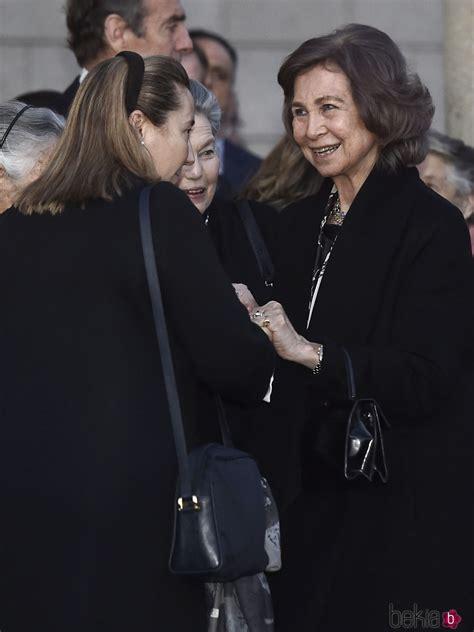 La Reina Sofía y Cristina de Borbón Dos Sicilias en la ...