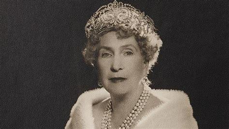 La Reina Victoria Eugenia fue famosa por su colección de ...