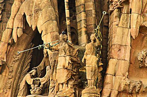 La Sagrada Familia & City of Barcelona – AGreekAdventure