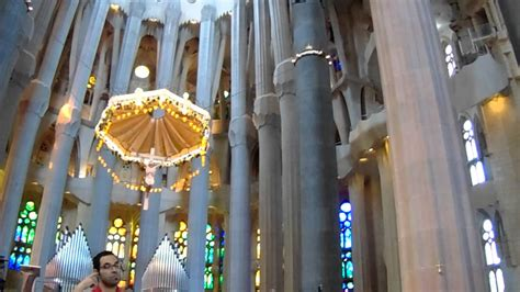 La Sagrada Familia, Interior. Gaudi. Barcelona - YouTube