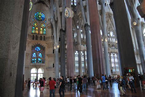 La Sagrada Familia | Reflections of a Book Addict
