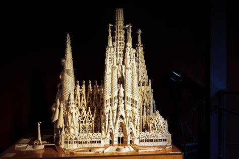 La Sagrada Familia Related Keywords   La Sagrada Familia ...