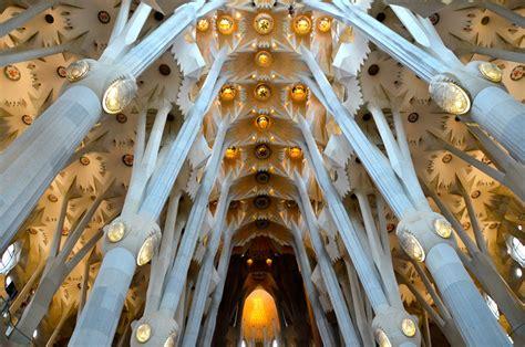 La Sagrada Familia, The Church Nuanced  Art Deco  in The ...