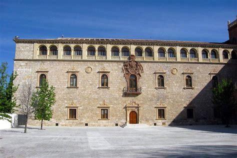 La universidad de Alcalá de Henares - Comunidad de Madrid ...