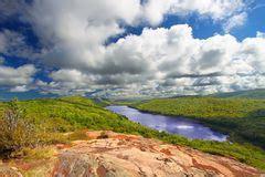 Lago De Las Nubes - Michigan Imagenes de archivo - Imagen ...