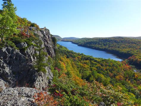 Lake of the Clouds | Porcupine Mountains