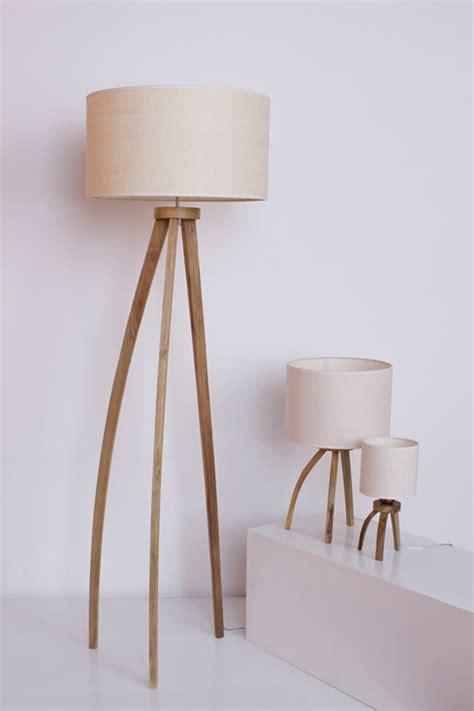 Lámpara de pie en madera de diseño – Lola – Fiumine ...