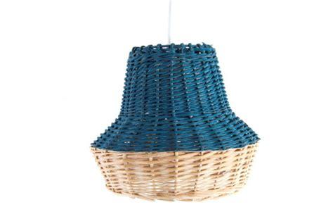 Lámpara de techo bicolor en mimbre