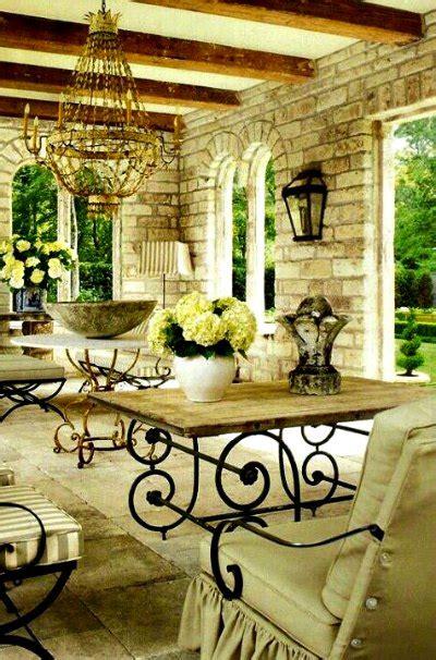 Lámparas de forja para patios rústicos -Forja Hispalense Blog