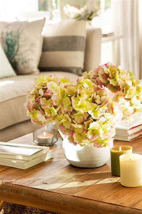 Las 25+ mejores ideas sobre Centros de mesa de hortensia ...