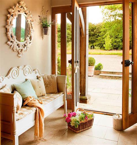 Las claves para decorar un recibidor perfecto