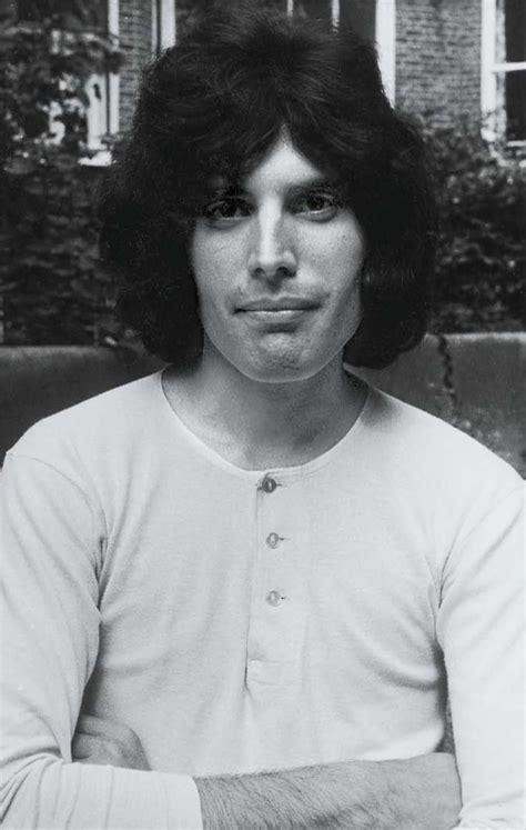 Las fotos privadas de Freddie Mercury, a propósito del ...