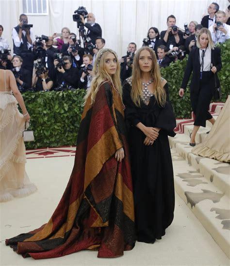 Las gemelas Olsen en la Gala Met 2018 - Galería de Fotos ...