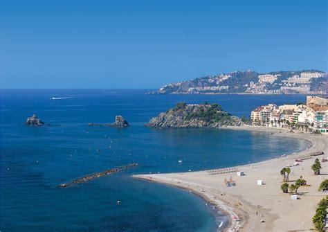 Las mejores playas de la Costa Tropical en Granada ...