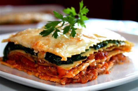 Lasaña boloñesa y espinacas sin lactosa