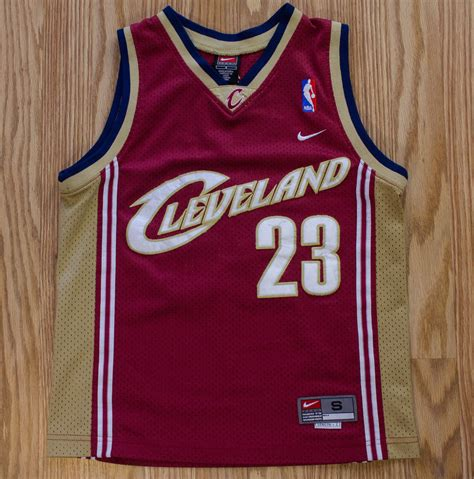 lebron james cleveland cavaliers jersey nike