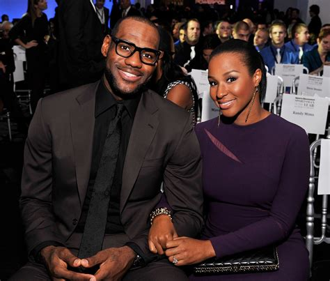 LeBron James' Wife Savannah Brinson (bio, wiki, pics)