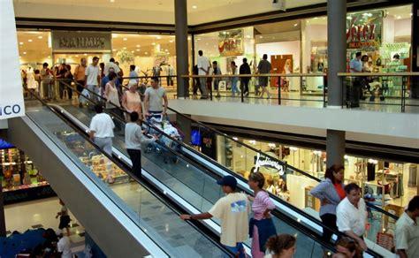 Leve crecimiento de los centros comerciales en España y ...