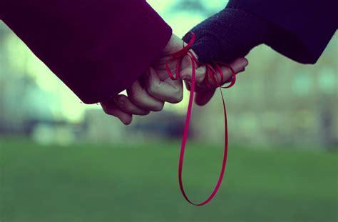 Leyenda del invisible hilo rojo que une a dos personas
