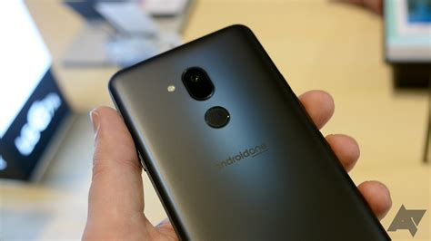 LG G7 One and G7 Fit hands-on: Surprisingly pleasing ...