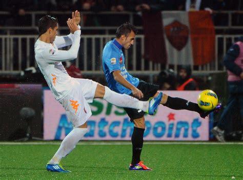 Liga Italiana: Novara 0 - 2 Roma - Taringa!