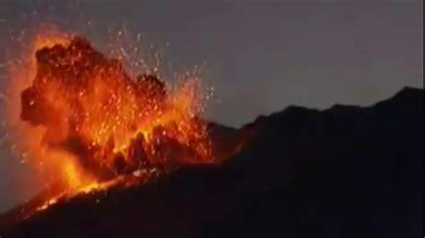 Lightening in Sakurajima Volcano Erupting in Japan - Today ...
