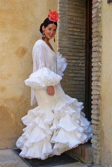 Lina & Blogguers. Encuentro de la firma de moda flamenca ...
