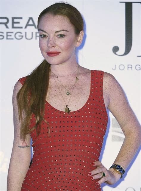 Lindsay Lohan checked out the presentation of the Jorge ...