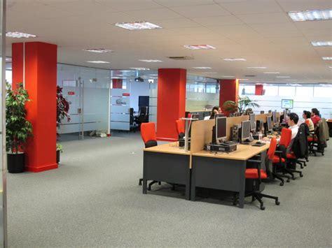Línea directa: fotos de las oficinas de una de las mayores ...