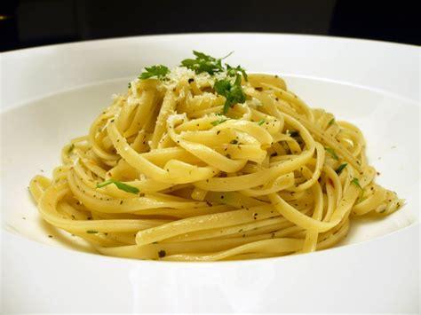 Linguini a la carbonara // recetas de comida italiana ...