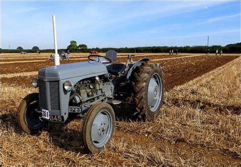 LITTLE GREY FERGIE | Massey Ferguson TEA 20 tractor ...