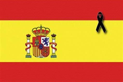 Llamamiento a colocar banderas constitucionales de España ...