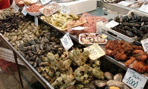 Locatarios del Mercado y Terminal pesquero... | Puranoticia