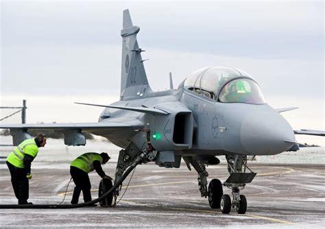 Loquendo  Nuevos aviones para la Fuerza Aerea Mexicana ...