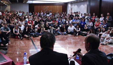 Los afectados por el ERE del Incasòl demandan a un tercio ...