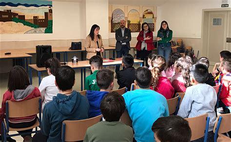 Los escolares de Las Gabias piden a la alcaldesa una pista ...