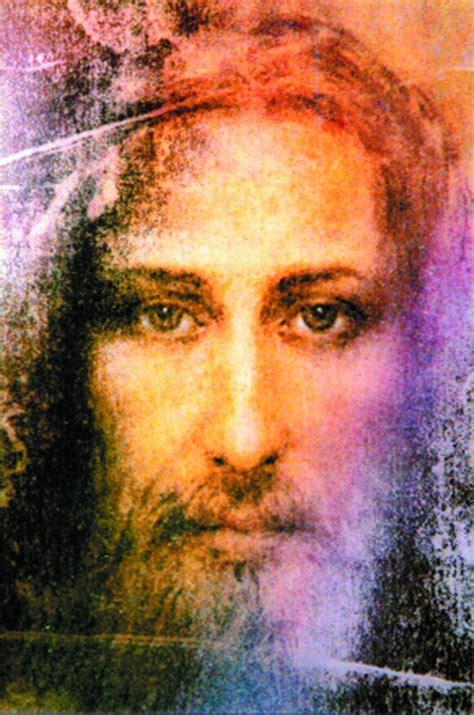 Los impresionantes rostros sindónicos de Cristo   ReL
