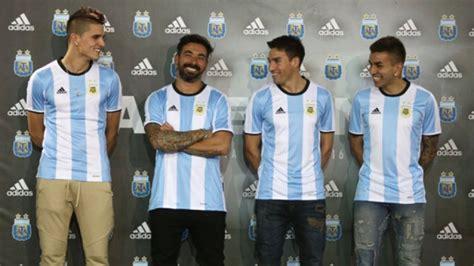 Los jugadores de la Selección Argentina presentaron la ...