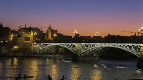 Los motivos por lo que Lonely Planet designa a Sevilla ...