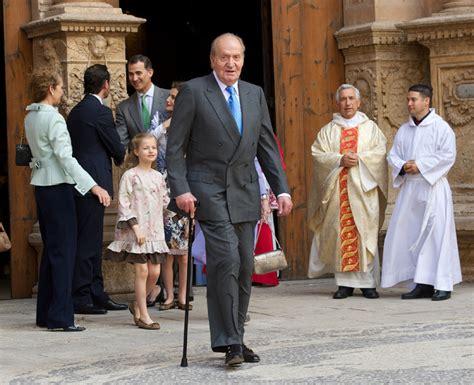 Los Reyes, los príncipes de Asturias con sus hijas y la ...