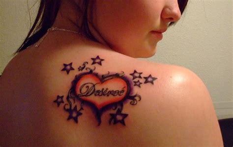 Los tatuajes de estrellas en la espalda