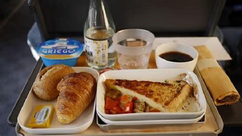 Los viajeros del AVE eligen el menú del próximo otoño ...