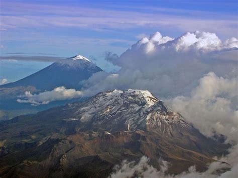 Los Volcanes Popocatepetl E Iztaccihuatl ...