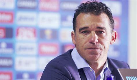 Luis García se marcha a Abu Dhabi para entrenar al Baniyas ...