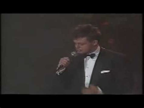 Luis Miguel-Inolvidable- Gira Romances 92 - YouTube